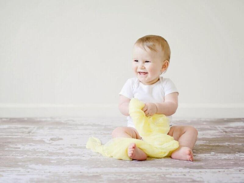 笑ってる赤ちゃん